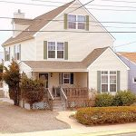Seaside Park vacation rental single-family home with yellow siding